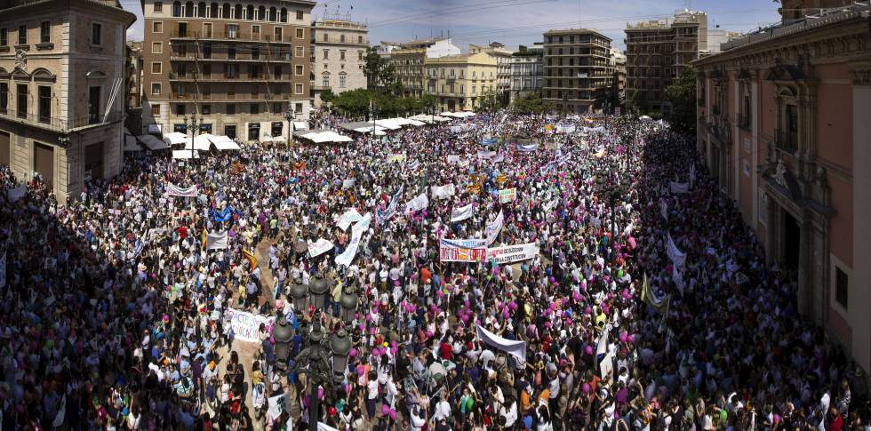 Padres y profesores de la concertada, en una manifestación en Valencia /Archivo iV.com