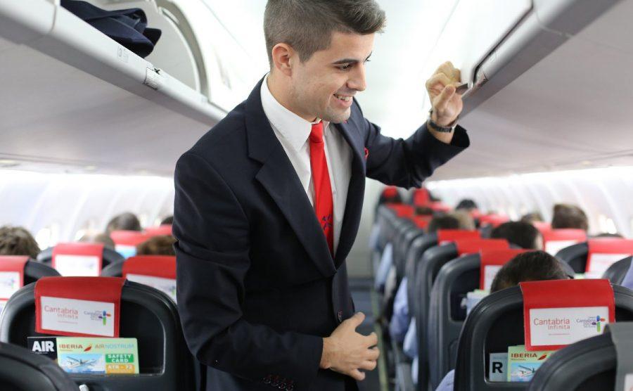 Air Nostrum busca en Valencia tripulantes de cabina de pasajeros/AN