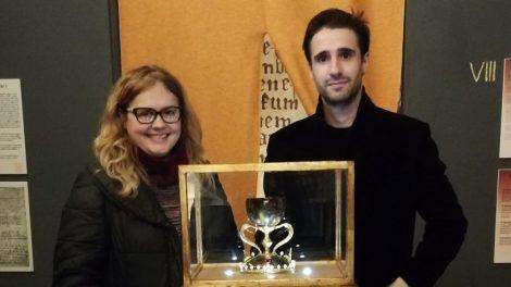 La doctora Mafé con Teo Fernández en Aula Grial/Img. informaValenca.com