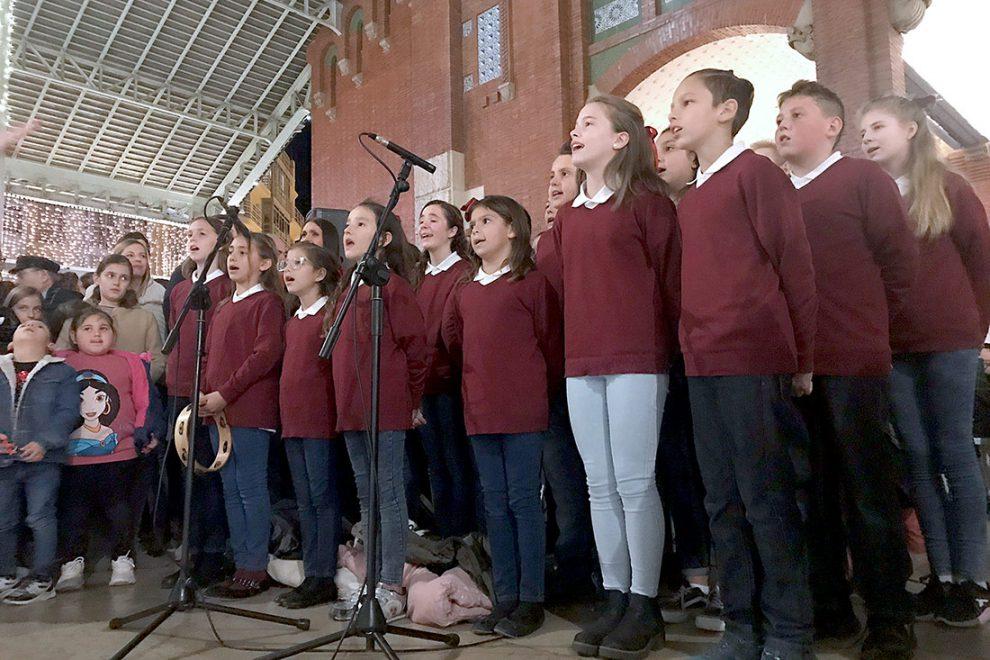 Coro del colegio diocesano Nuestra Señora de los Desamparados de Nazaret./img. AVAN