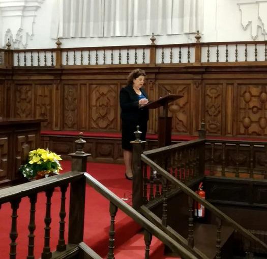 Teresa de Jesús Rodríguez recitando su poemario/Fnd Rielo