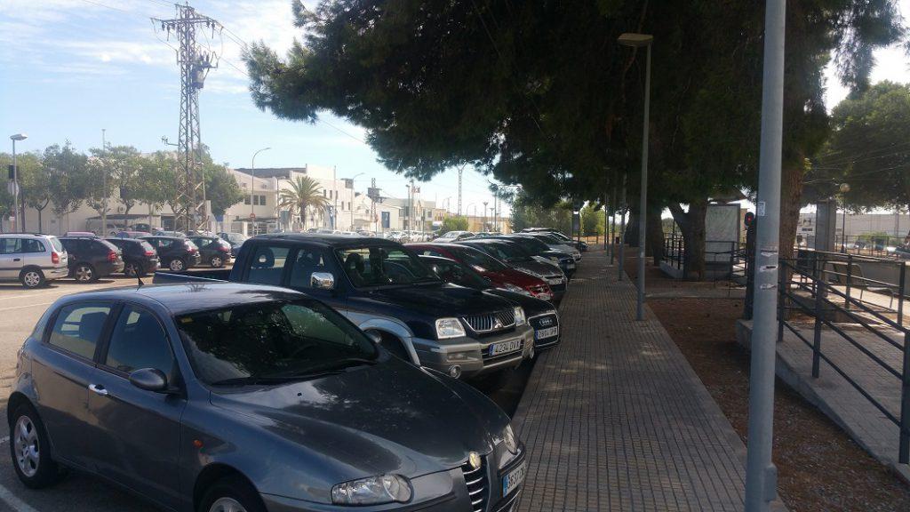 Aparcamiento de la estación de Fuente del Jarro/informaValencia.com