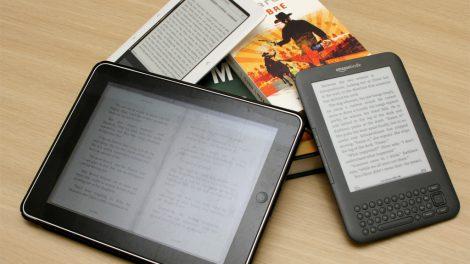 El informe asegura que los libros electrónicos cuentan con mayores beneficios, particularmente para niños con niveles de atención más bajos./Img. informaValencia.com