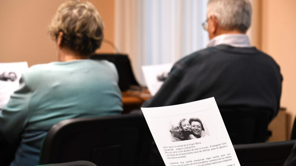 """""""El potencial educativo de leer cuentos con los nietos"""", Escuela de Abuelos/informaValencia.com"""