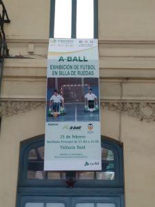 Cartel en la Estación del Norte/Asoc Futbolistas VCF