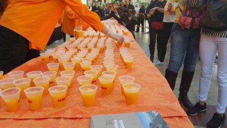 Horchata y Zumo de naranja para todos en fallas/T.Tarazona