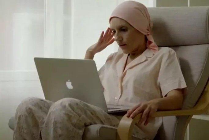Paciente de cáncer de mama atendida por AECC Valencia - AECC VALENCIA